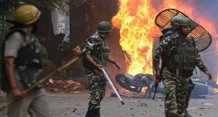 shilong 1 शिलॉन्ग में लगातार चौथे दिन भी तनाव, सुरक्षाबलों पर फेंके गए पेट्रोल बम