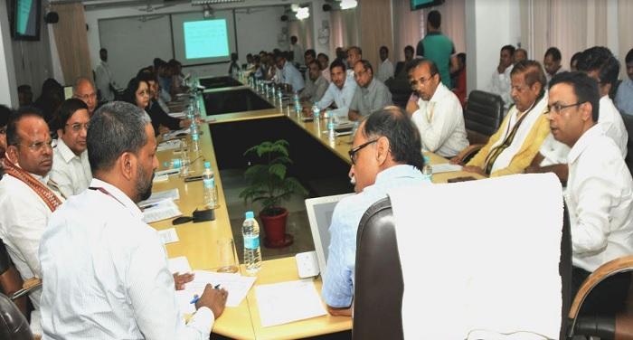 मुख्य सचिव उत्पल कुमार सिंह ने अंतर्राष्ट्रीय योग दिवस की तैयारियों के संबंध में बैठक की