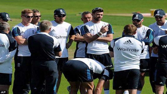टेस्ट मैचः इंग्लैंड टीम को भारतीय टीम की गेंदबाजी का खौफ सता रहा है