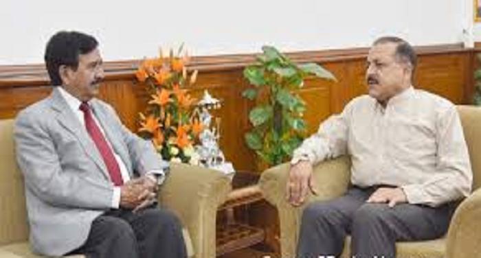 जम्मू कश्मीरः राज्यपाल के सलाहकार के.विजय कुमार ने केन्द्रीय मंत्री डाक्टर जितेन्द्र सिंह से मुलाकात की