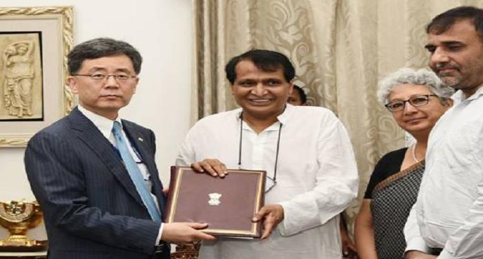 सुरेश प्रभु ने नई दिल्ली स्थित वाणिज्य मंत्री के आवास में कोरिया के व्यापार मंत्री से मुलाकात की