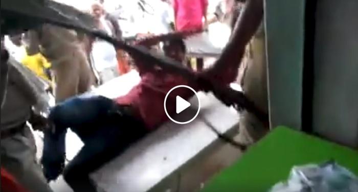 मैनपुरी पुलिस का अमानवीय चेहरा, पीड़ित की पिटाई वीडियो हुआ वायरल