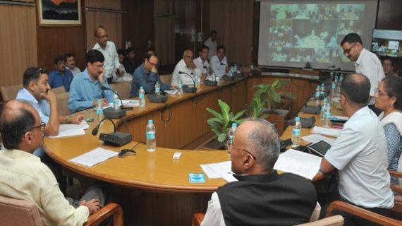 मुख्य सचिव ने वीडियो कॉन्फ्रेंसिंग के माध्यम से सड़क सुरक्षा के बारे बैठक की
