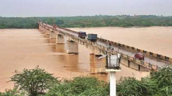 मप्र: चंबल में बाढ़ के चलते मंडरा रहा 20 गावों में बाढ़ का खतरा