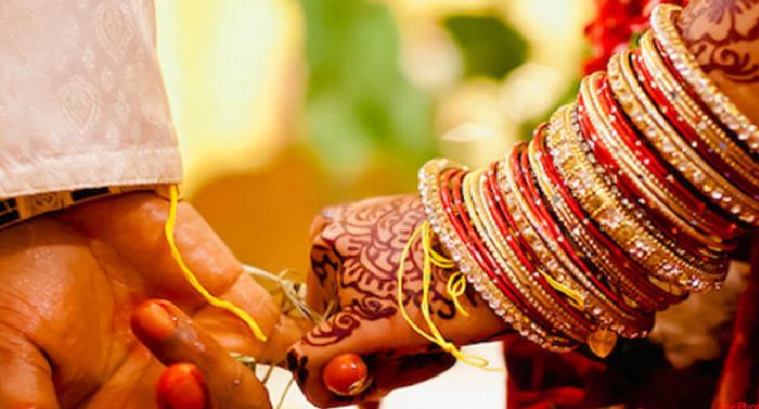 शादी के बाद पार्टनर से भूलकर भी ना करें ये बातें, हो सकता है ये असर