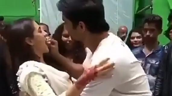 को-स्टार ने ऐसे दी सारा अली खान को बर्थडे की बधाई, देखें वीडियो