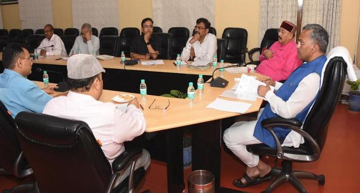 सीएम रावत नई दिल्ली में पीएम मोदी से भेंट कर राज्य हित से जुड़ी विभिन्न विकास योजनाओं पर चर्चा