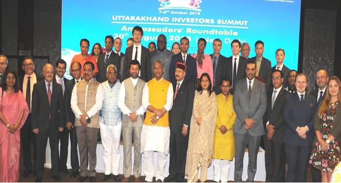 सीएम रावत ने अपने कैबिनेट सहयोगियों एवं उच्चाधिकारियों के साथ विभिन्न देशों के राजदूतों व उच्चायुक्तों से भेंट की