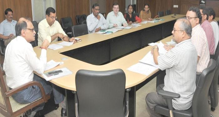 उत्पल कुमार सिंह की अध्यक्षता में राज्य निगरानी समिति की बैठक सचिवालय में हुई