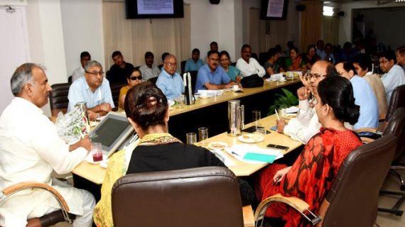 शिक्षा मंत्री अरविन्द पाण्डेय ने सचिवालय सभागार में समग्र शिक्षा अभियान की समीक्षा बैठक सम्पन्न हुई