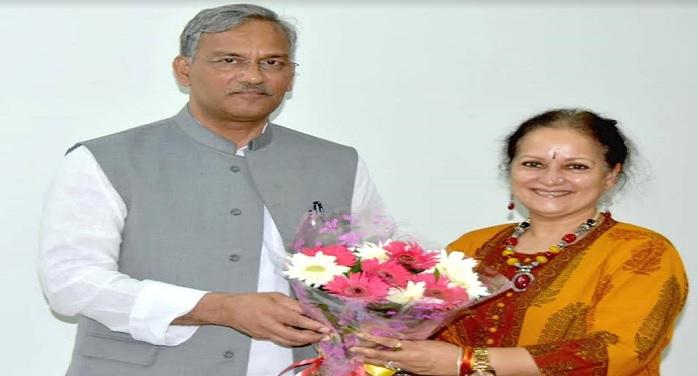 सीएम रावत से मुख्यमंत्री आवास में अभिनेत्री हिमानी शिवपुरी ने शिष्टाचार भेंट की