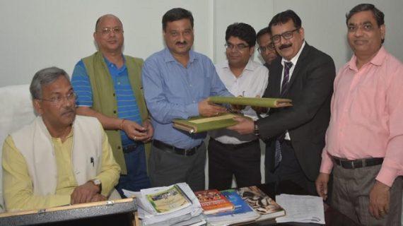 सीएम रावत की उपस्थिति में फार्मा उद्योगों में रू0 7350 करोड़ के निवेश से सम्बंधित एम.ओ.यू. पर हस्ताक्षर किए गये