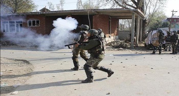 जम्मू कश्मीर: बारामुला के सोपोर इलाके में आतंकवादियों और सुरक्षाबलों के बीच हुई मुठभेड़, दो आतंकी ढेर