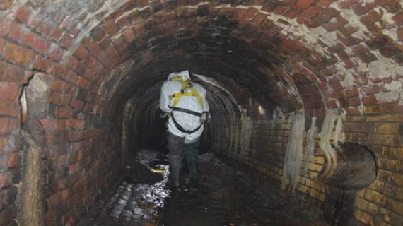पश्चिम दिल्ली में डीजेबी सीवर गड्ढे की सफाई करते हुए एक कर्मचारी की मौत