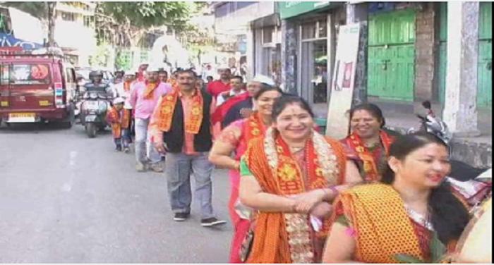 उत्तराखंडः शारदीय नवरात्र के पावन पर्व पर महिलाओं ने निकाली कलश यात्रा