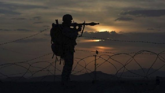 मेरठ कैंट में तैनात सेना के जवान को पाकिस्तान की खुफिया एजेंसी को सूचनाएं देने के संदेह में पकड़ा