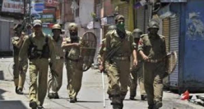 srinagar 1 श्रीनगर: घाटी में आतंकियों के मारे जाने के बाद हालात तनावपूर्ण, आज भी स्कूल, कॉलेज रहेंगे बंद