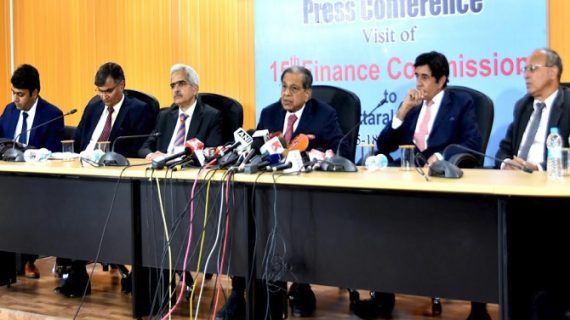 15वें वित्त आयोग के अध्यक्ष एन0के0 सिंह की अध्यक्षता में सचिवालय में वित्त आयोग की बैठक आयोजित की गई