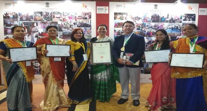 नई दिल्ली में राष्ट्रीय पोषण मिशन-पोषण अभियान के अन्तर्गत आयोजित पुरस्कार वितरण समारोह आयोजित किया गया