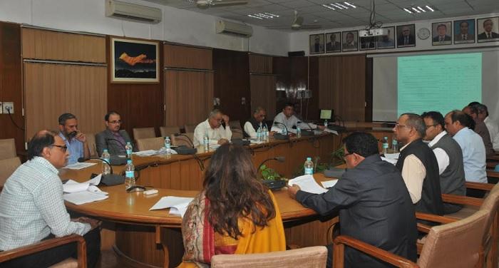 उत्पल कुमार सिंह ने प्रधानमंत्री ग्राम सड़क योजना के राज्य स्तरीय अनुश्रवण समिति की बैठक की