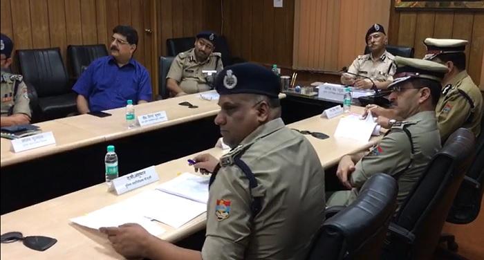नरेन्द्रनगर, टिहरी गढ़वाल में प्रशिक्षणाधीन 19 प्रशिक्षु पुलिस उपाधीक्षक के साथ एक संवाद गोष्ठी आयोजित की गई