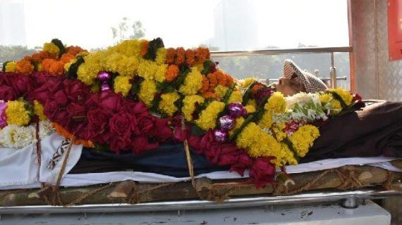 सचिन के गुरू रमाकांत आचरेकर का निधन, पीएम मोदी ने जताया शोक