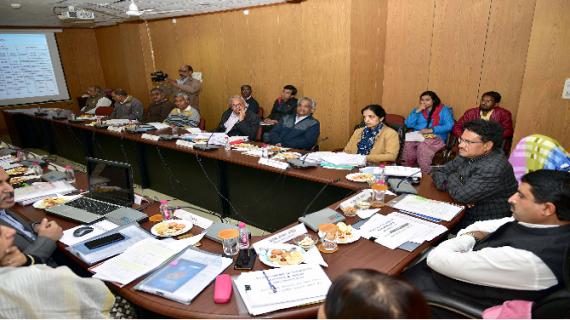 अल्पसंख्यक मंत्री ने विभाग के कार्यों की समीक्षा बैठक को संबोधित किया