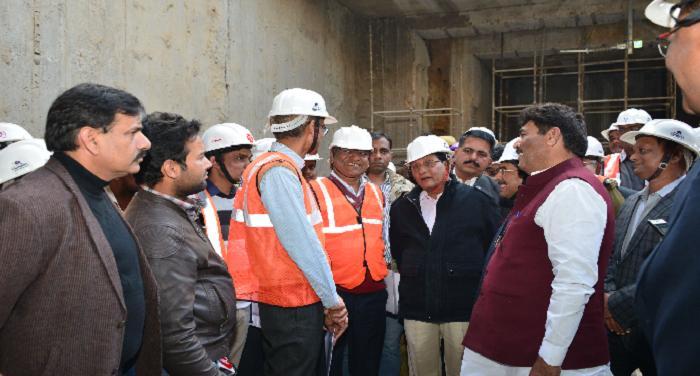 स्वायत्त शासन मंत्री ने भूमिगत मेट्रो के निर्माण में तेजी लाने के निर्देश दिए