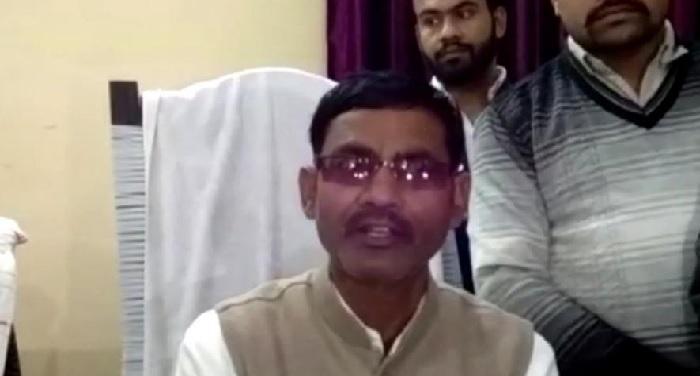 BJP नेता का बयान: देश में खतरा महसूस करने वालों को बम से उड़ा दूंगा