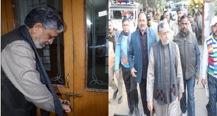SUSHIL MODI बिहार : डिप्टी सीएम सुशील मोदी ने खाली किया बंगला, तेजस्वी यादव पर किया हमला