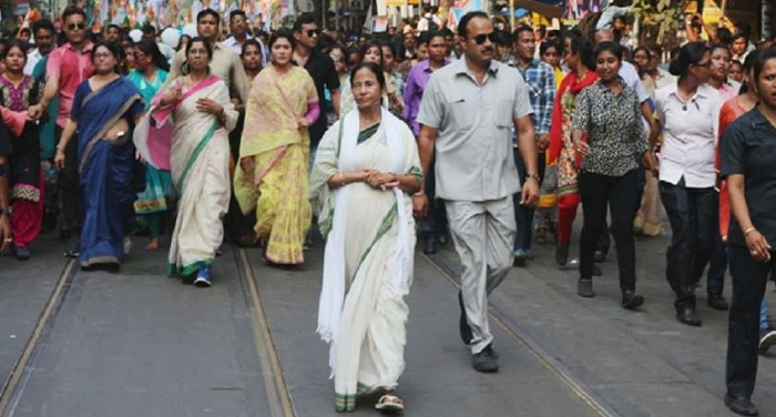 mamta नारदा केस: CBI दफ्तर पहुंचीं CM ममता, TMC के दो मंत्री-एक विधायक गिरफ्तार