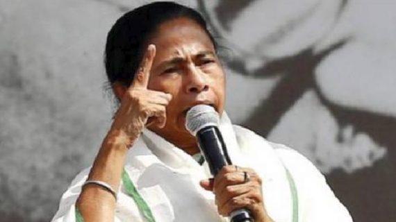 पीएम मोदी के खिलाफ विपक्ष को एकजुट करने में जुटी पश्चिम बंगाल की सीएम ममता बनर्जी