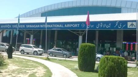 हाई अलर्ट पर लेह, जम्मू, श्रीनगर, पठानकोट के  हवाई अड्डे, सुरक्षा कारणों से निलंबित वाणिज्यिक उड़ानें