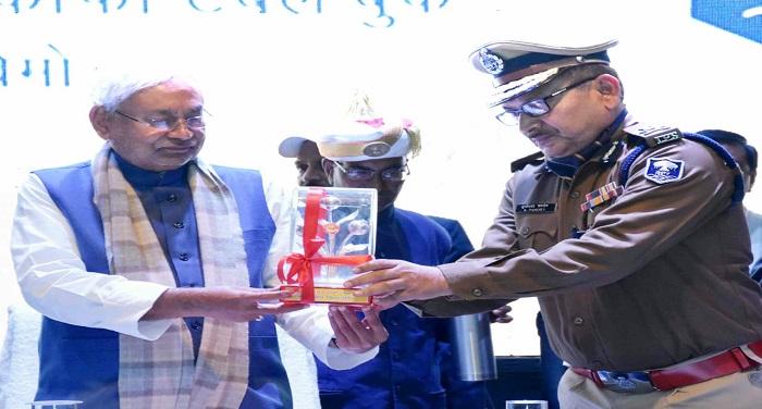 गों की जो उम्मीदें पुलिस से है उसका ख्याल रखना आपका परम दायित्व है : मुख्यमंत्री