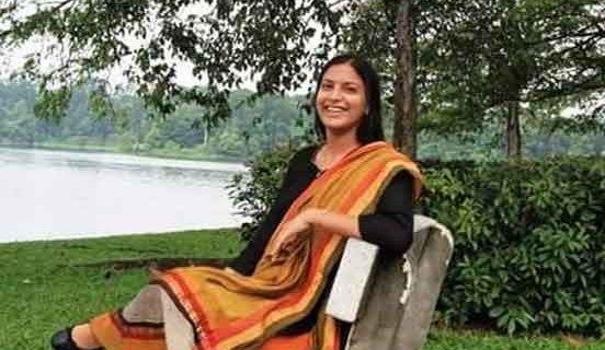 पुलवामा  शहीदों की 2  बेटियों को गोद लिया ,आईएएस अधिकारी ने