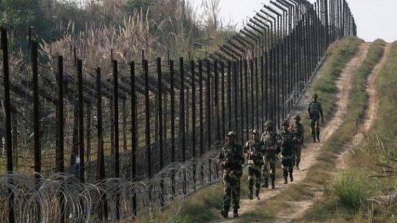 जम्मू में एलओसी पर पाकिस्तानी बलों द्वारा भारी गोलाबारी में एक ही परिवार के तीन लोग मारे गए