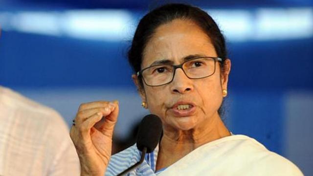 mamata banerjee ममता बनर्जी का आरोप: मामूली घटनाओं पर ही केंद्र सरकार ने ठप किया रेल संचालन