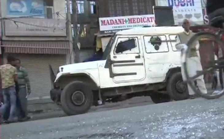 grenata 27 5 श्रीनगर में कड़ी सुरक्षा के बावजूद हरि सिंह हाइट स्ट्रीट के पास आतंकियों ने किया ग्रेनेड से हमला