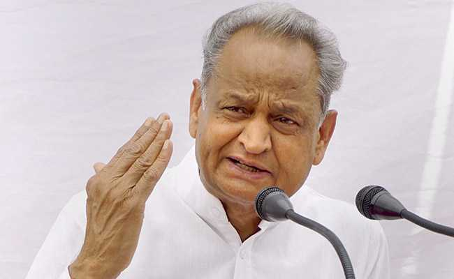 राजस्थान में गहलोत को लगा बड़ा झटका, 6 मंत्री और 5 विधायक हुए लापता..