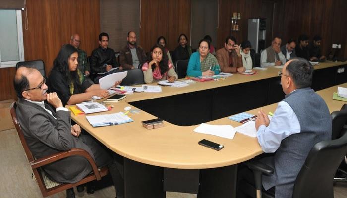 उत्पल कुमार सिंह उत्पल कुमार सिंह की अध्यक्षता में महिला सशक्तिकरण योजनाओं के कार्यक्रमों की समीक्षा बैठक सम्पन्न
