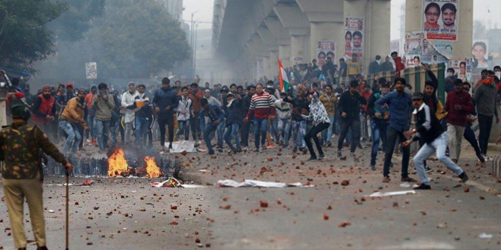 delhi selam pur cab oppose 'गुप्त भीड़' के चलते बढ़ा था सीलमपुर में बवाल, गहन पड़ताल में जुटे अधिकारी