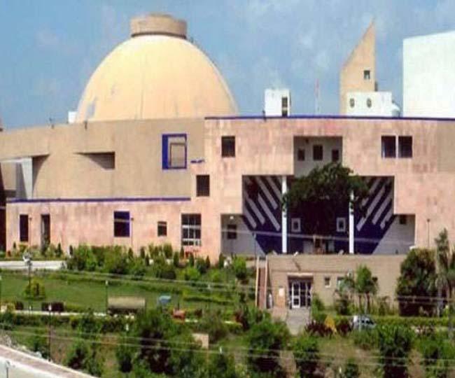 mp 'मेधावी छात्र योजना' बंद करने के आरोप के साथ एमपी विधानसभा में भाजपा का हंगामा