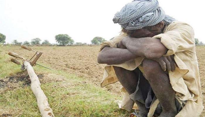 किसान महाराष्ट्र में सत्ता की लड़ाई में व्यस्त रहे नेता, उधर किसान करते रहे आत्महत्या, आकंड़ा 300 के पार पहुंचा