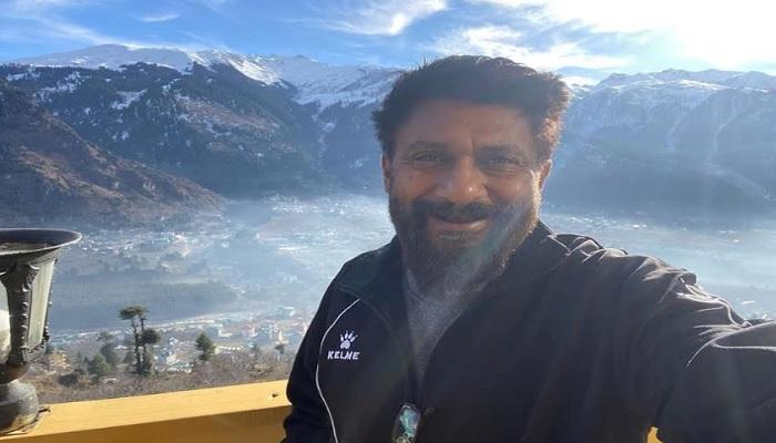 विवेक रंजन अग्निहोत्री विवेक रंजन अग्निहोत्री हिमालय में 'द कश्मीर फाइल्स' की स्क्रिप्ट खत्म करने के लिए पहुंचे