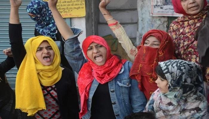 हल्द्वानी हल्द्वानी में बना एक और शाहीन बाग सीएए के विरोध में महिलाओं ने ताज चौराहे पर शिफ्त किया धरना