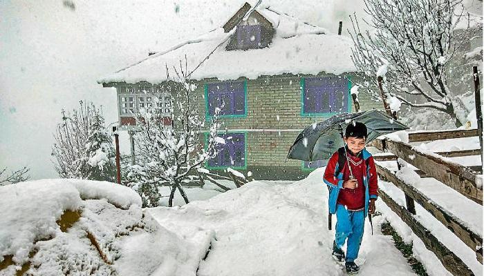 उत्तराखंड 7 उत्तराखंड में फिर मौसम ने बदली करवट, ऊंचाई वाले क्षेत्रों में बर्फबारी शुरू