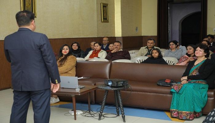 कल्ब 3 22 वें फेब ईवनिंग माइटर्स क्लब ने भारत में ए स्टोरी क्लब द्वारा आयोजित किया पहला स्टोरीटेलिंग कार्यक्रम