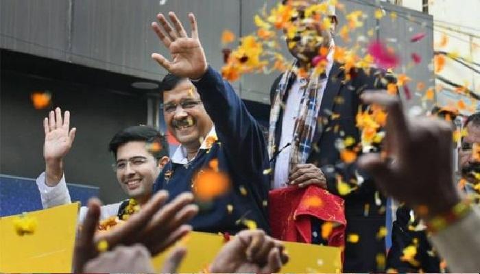 केजरीवाल 2 दिल्ली विधानसभा चुनाव के लिए मतों की गिनती जारी, आप 56 सीटों पर आगे और बीजेपी 14 सीटों पर आगे