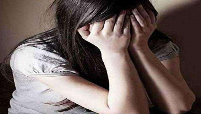 छत्तीसगढ़ 14 छत्तीसगढ़ के जशपुर स्थित स्कूल के टीचर ने कक्षा 7 में पढ़ने वाली छात्रा से किया दुष्कर्म, फिर कराया गर्भपात