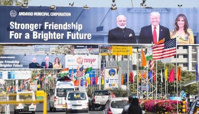 डोनाल्ड ट्रंप भारतीय दौरे पर आ रहे अमेरिकी राष्ट्रपति डोनाल्ड ट्रंप, थोड़ी देर पहुंचेंगे अहमदाबाद